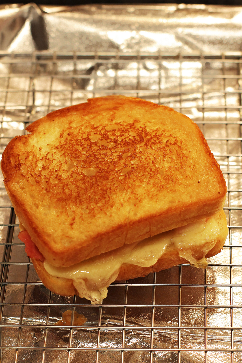 perfect grilled cheese how to make grilled cheese bon appetit hon 12293